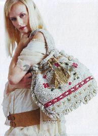 دختر کیف به دست