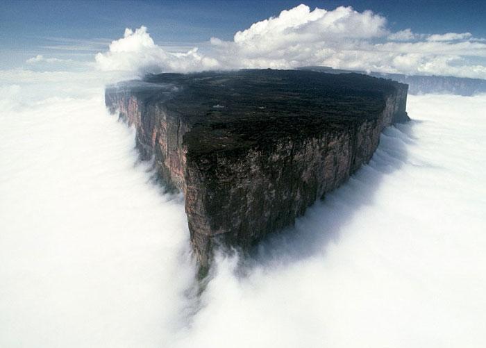 مانت رورایما٬ آمریکای جنوبی