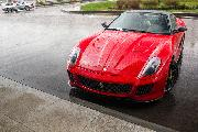 ماشین قرمز